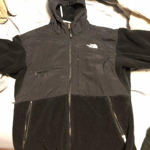 Northface men's size Large black hooded fleece